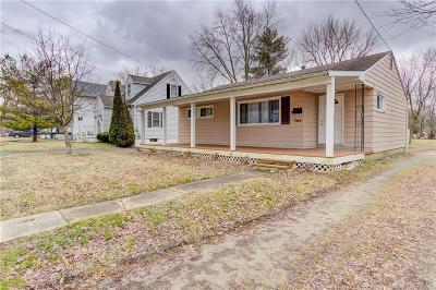 Clinton County Single Family Home For Sale: 704 Locust