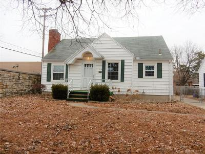 Dayton Single Family Home For Sale: 710 Berkshire Road