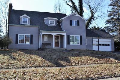 Dayton Single Family Home For Sale: 1525 Bryn Mawr Drive
