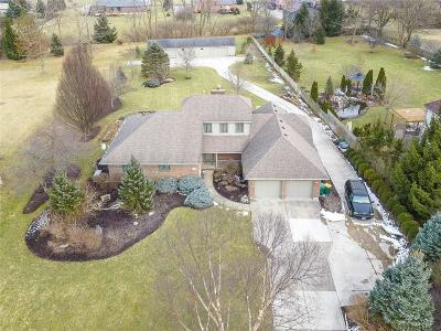 Fairborn Single Family Home For Sale: 1378 Meadowlands Drive