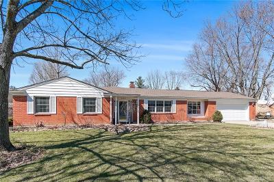 Beavercreek OH Single Family Home For Sale: $210,000