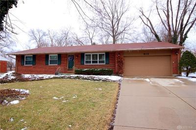 Dayton Single Family Home For Sale: 912 Debbie Court