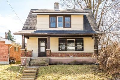 Dayton Single Family Home For Sale: 52 Fernwood Avenue