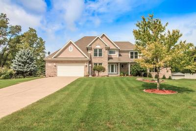 Fairborn Single Family Home For Sale: 1319 Meadowlands Drive