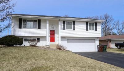 Dayton Single Family Home Pending/Show for Backup: 2057 Penbrooke Trail