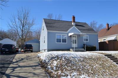 Dayton Single Family Home For Sale: 607 Alexander Drive
