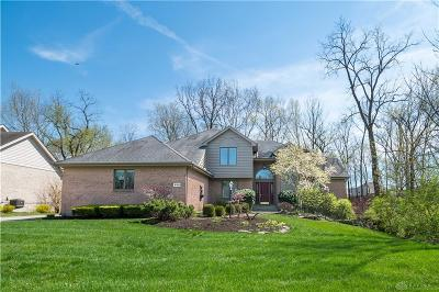 Springboro Single Family Home For Sale: 220 Country Club Lane