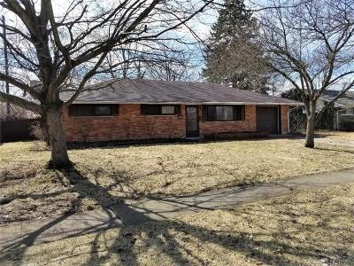 Kettering Single Family Home For Sale: 1708 Hillwood Drive