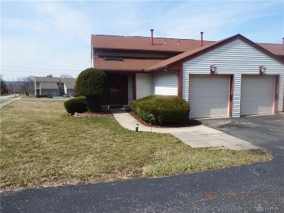 Miamisburg Condo/Townhouse For Sale: 24 Highpoint Drive