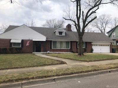Dayton Single Family Home For Sale: 504 Brookside Drive