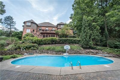 Springboro Single Family Home For Sale: 8710 Toftrees Lane