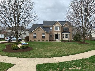 Springboro Single Family Home For Sale: 15 Millbrook Court