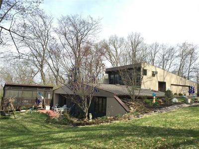 Fairborn Single Family Home For Sale: 1940 Armstrong Road
