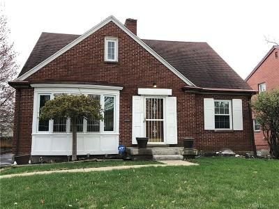 Dayton Single Family Home For Sale: 1428 Cornell Drive