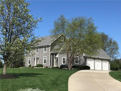 Springboro Single Family Home For Sale: 7992 Locust Grove Court