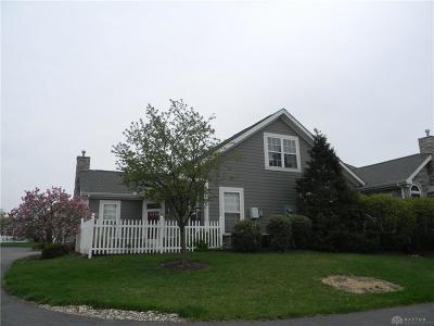 Springboro Condo/Townhouse For Sale: 84 Abbey Drive