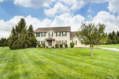 Springboro Single Family Home For Sale: 437 Meadowview Court