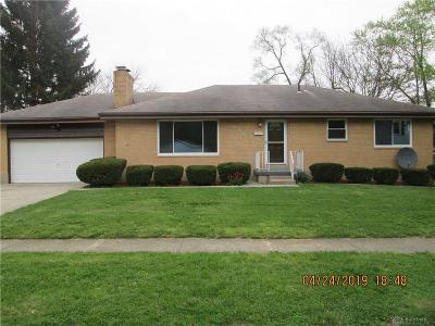 Dayton Single Family Home For Sale: 389 Elm Hill Drive