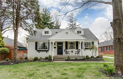 Kettering Single Family Home For Sale: 224 Sherbrooke Drive