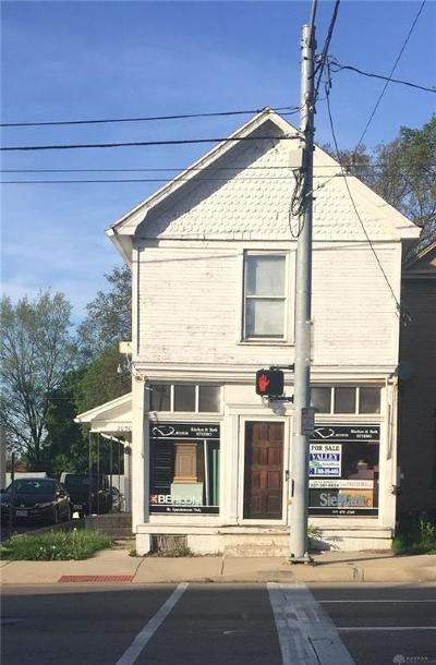 Dayton Single Family Home For Sale: 2050 Wayne Avenue
