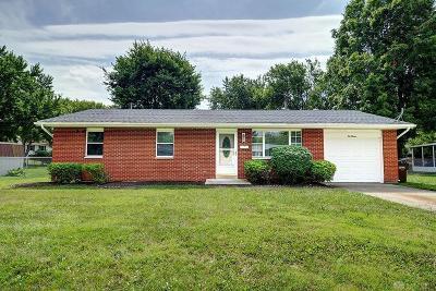 Xenia Single Family Home For Sale: 1013 Hamlet Drive