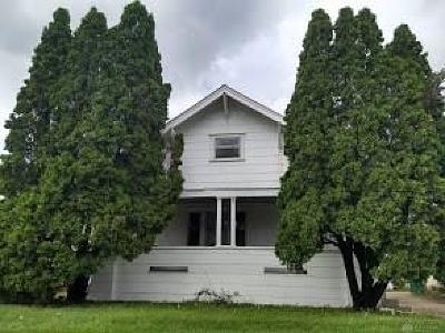 Springfield Single Family Home For Sale: 256 Ridge Road