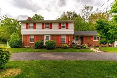 Huber Heights Single Family Home For Sale: 6760 Chambersburg Road