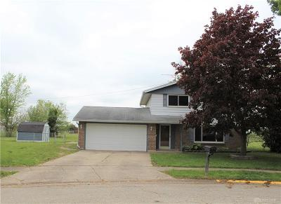 Tipp City Single Family Home For Sale: 16 Sioux Court