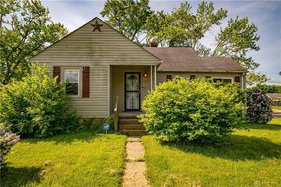 Dayton Single Family Home For Sale: 2000 Neva Drive