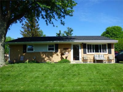 Clinton County Single Family Home For Sale: 382 Oakridge Drive