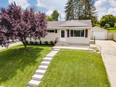 Fairborn Single Family Home For Sale: 250 Doris Drive