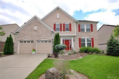Springboro Single Family Home For Sale: 220 Woodstream Drive