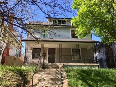Dayton Single Family Home For Sale: 147 Indianola Avenue
