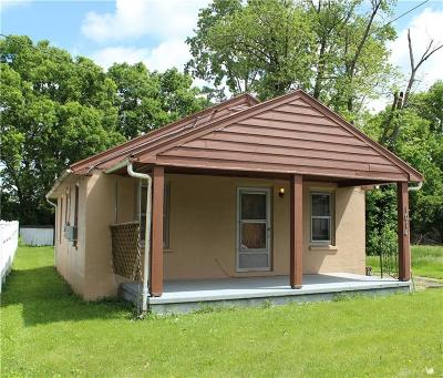 Dayton Single Family Home For Sale: 1014 Pleasant Valley Avenue