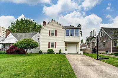 Dayton Single Family Home For Sale: 925 Croyden Drive