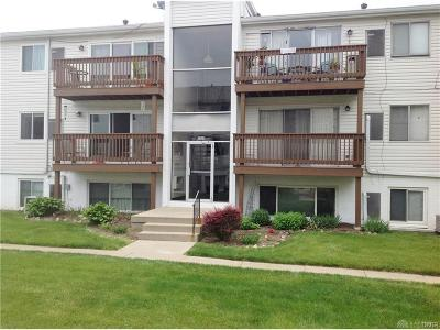 Dayton Condo/Townhouse For Sale: 2225 Coach Drive #26 H
