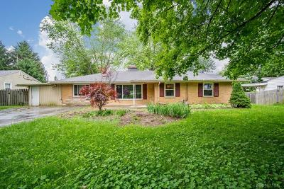 Beavercreek Single Family Home For Sale: 4155 Mapleview Drive