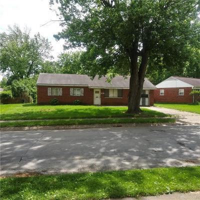 Englewood Single Family Home For Auction: 111 Charles Place