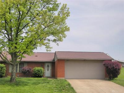 Dayton Single Family Home For Sale: 8672 Belle Chase Drive