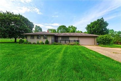 Beavercreek Single Family Home For Sale: 4011 Barberry Boulevard