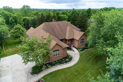 Springboro Single Family Home For Sale: 735 Valley View