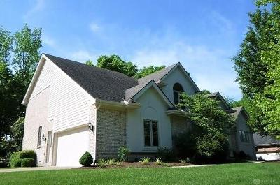 Springboro Single Family Home For Sale: 210 Country Club Lane