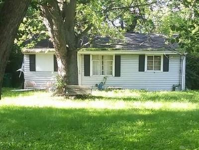 Kettering Single Family Home For Auction: 1721 Willamet Road