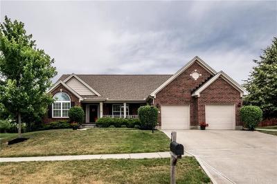 Warren County Single Family Home For Sale: 960 Spruce Glen
