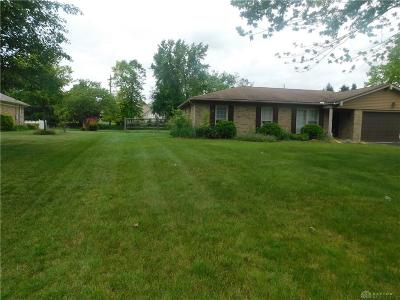 Beavercreek OH Single Family Home For Sale: $190,000