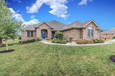 Springboro Single Family Home For Sale: 10 Crest Oak Court