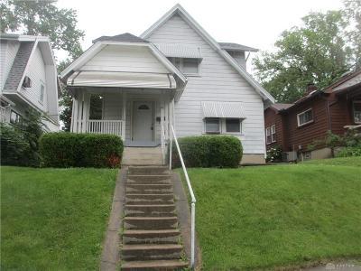 Dayton Single Family Home For Sale: 42 Cherrywood Avenue