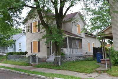 Dayton Single Family Home For Sale: 219 Dover Street