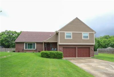Tipp City Single Family Home For Sale: 6800 Curtwood Drive