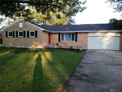 Beavercreek Single Family Home For Sale: 35 Fernwald Drive